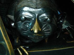 "mouse woman From the bronze Bill Reid sculpture, ""Spirit of Haida Gwaii"" at YVR. Read more here: geo.international.gc.ca/can-am/washington/services/haida-..."