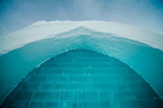 ice hotel by isen majennt, flickr