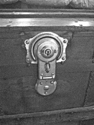trunk lock by kuaptic flickr